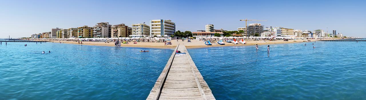 The beach Regent's Hotel